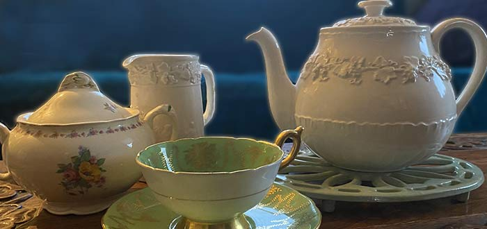 Enjoy high tea on your Rideau Canal boating vacation