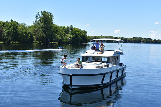 Cruise on the Rideau Canal