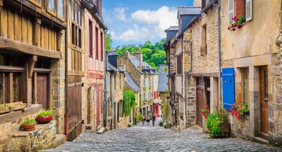 Dinan's cobbled streets