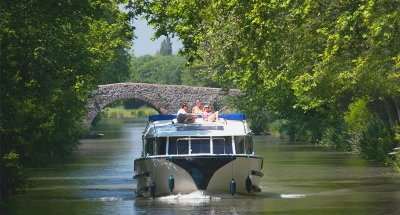 Vision boat on the Midi