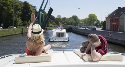Relaxing in the sunshine on the Belgian waterways