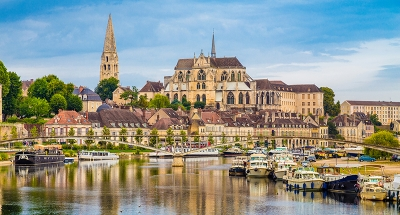 Auxerre city on the river