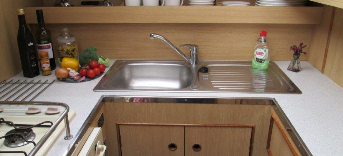 Curlew WHS - kitchen