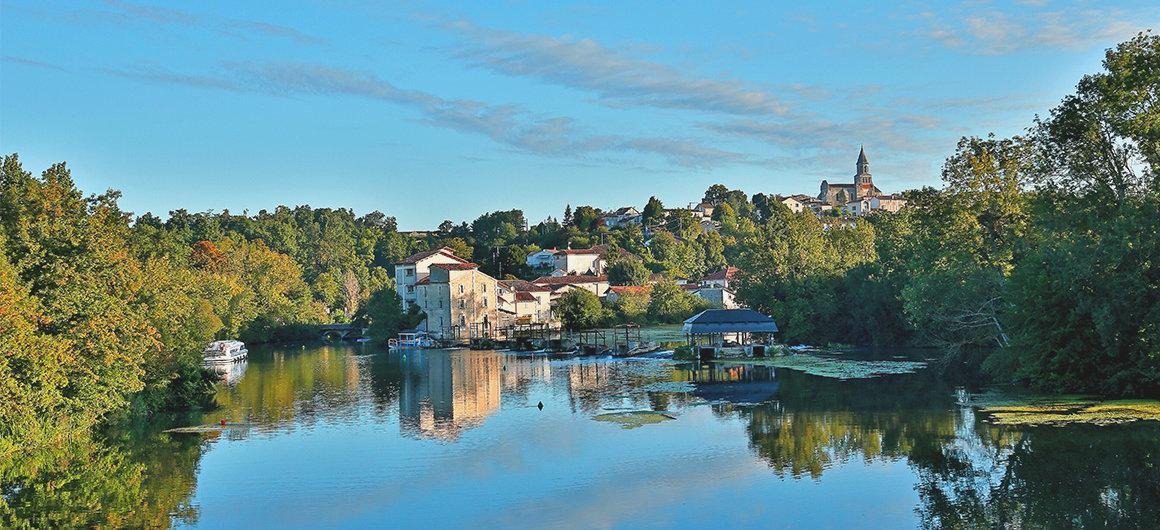 River scene in the Charente