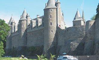 Chateau Josselin and a Le Boat